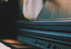 Köp ett vackert begagnat piano