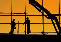 Hyr kran av ett företag med erfarenhet